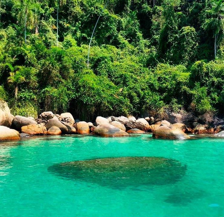 Praias paradisíacas do Sudeste (Foto: Claudia Zamora/Instagram)