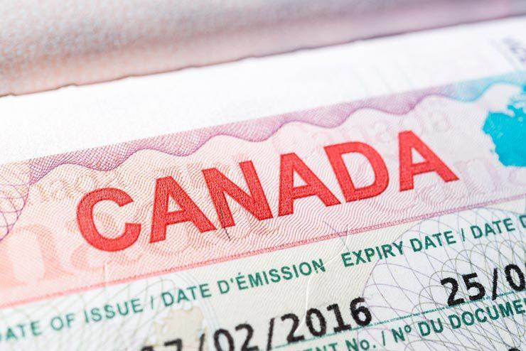 Visto para o Canadá (Foto via Shutterstock)